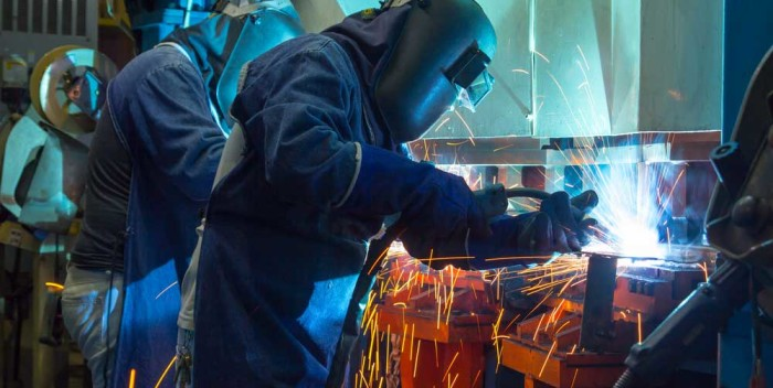 auto workers welding Mexico